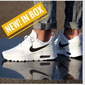 🔥NEW NWT🔥 Nike Air Max Tavas w/ box